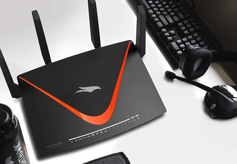 NETGEAR Routeur WiFi Nighthawk Pro Gaming (XR700), AD7200 Bi-Bandes Quad Stream Gigabit
