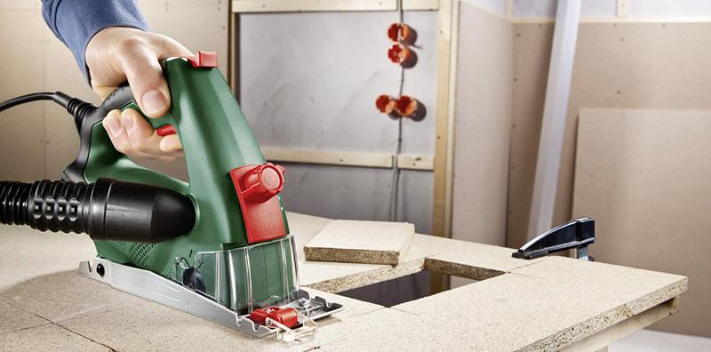 Test Bosch Mini scie circulaire manuelle Universal PKS 16 avec coffret