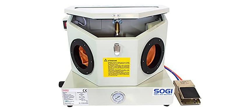 Test SOGI S-30 Cabine de sablage professionnelle avec accessoires